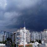 В Анталью пришел долгожданный дождь
