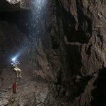 Тело российского туриста пытаются извлечь из глубочайшей пещеры в Абхазии