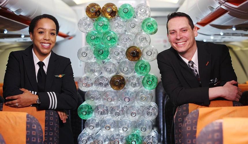 EasyJet переоденет пилотов и бортпроводников в костюмы из пластиковых бутылок