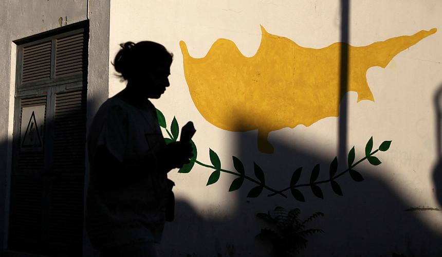 «Мы стреляем себе в ногу». Отельеры Кипра просят власти смягчить правила въезда для туристов из РФ