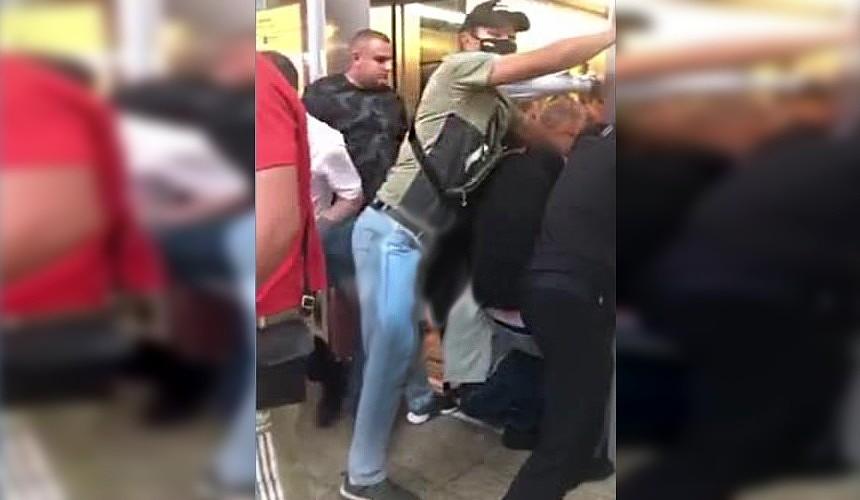 В московском аэропорту Шереметьево ребенок оказался зажат лифтом
