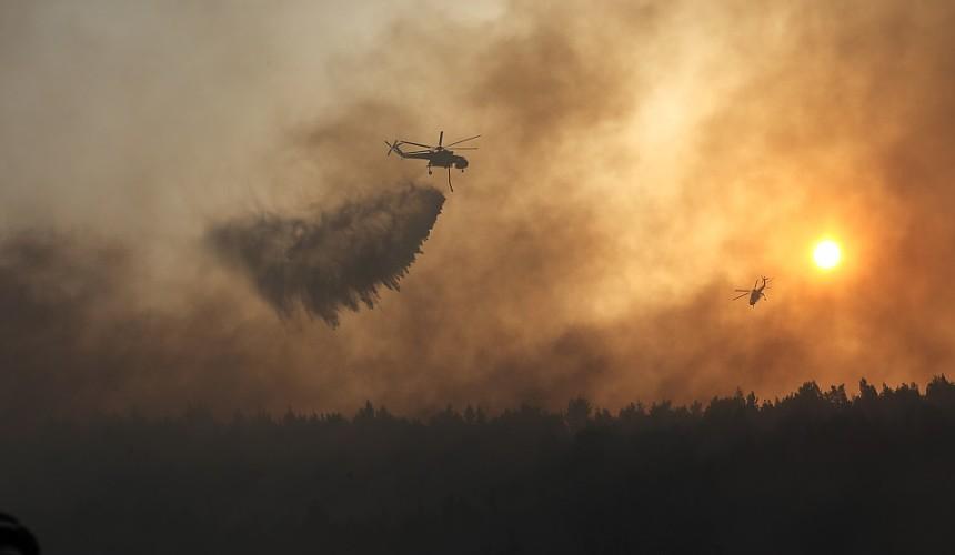 Пожары уже вторые сутки бушуют на севере Афин