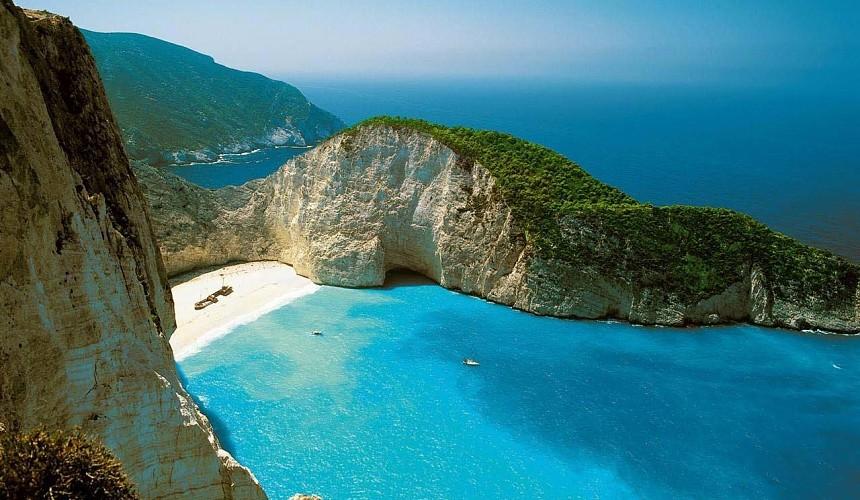 Греция введет комендантский час на нескольких островах
