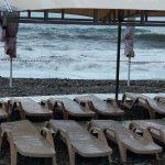 Сочинские пляжи закрыли из-за шторма